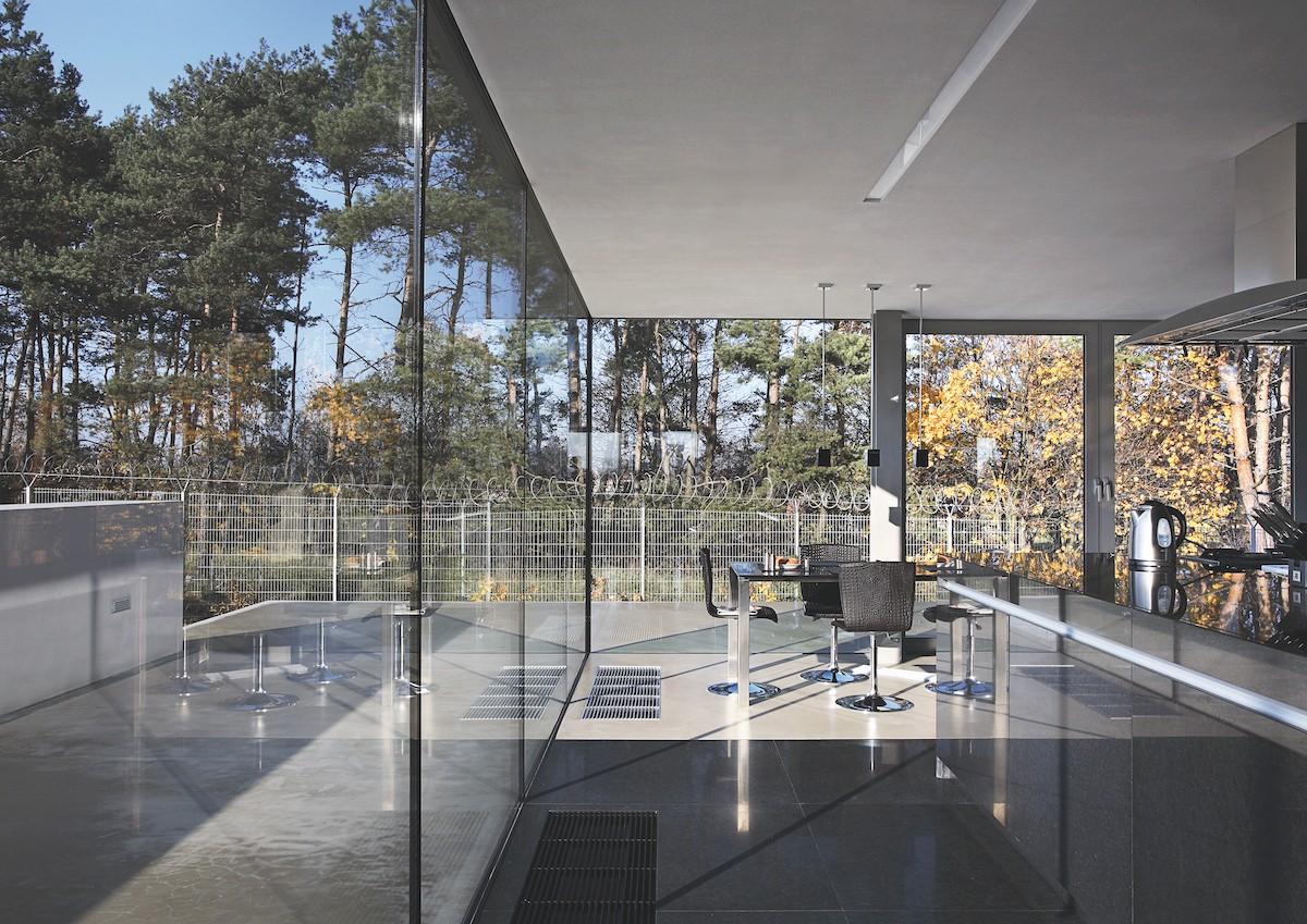 Minimalistische woning akoestisch plafond